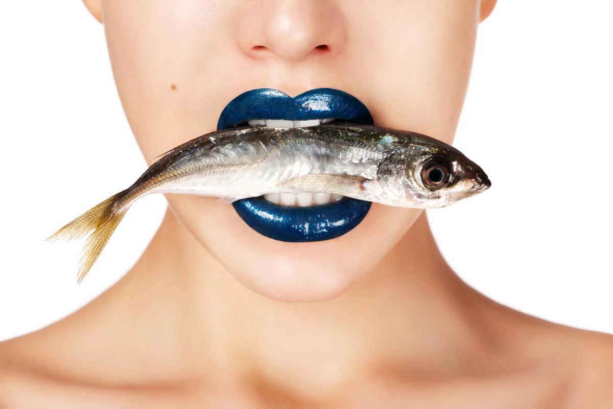 hơi thở có mùi cá sống