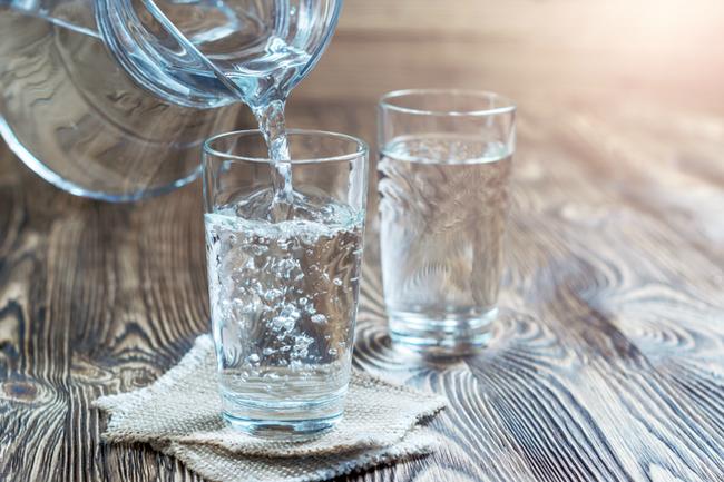 Mùa đông uống bao nhiêu nước là hợp lý? - Ảnh 2.