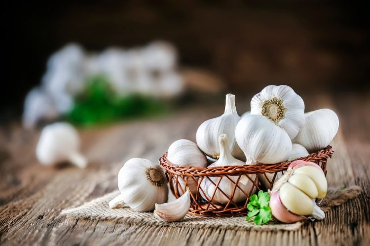 Một số thực phẩm giúp làm giảm các triệu chứng khó chịu của bệnh viêm xoang - Ảnh 2.