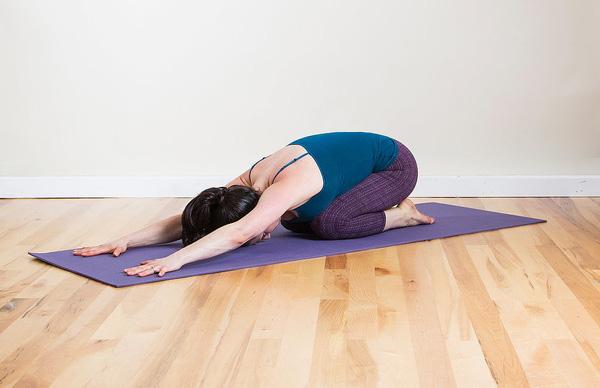 Các tư thế Yoga giúp phòng tránh cảm cúm nên được luyện tập mỗi ngày - Ảnh 1.