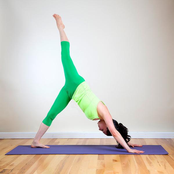 Các tư thế Yoga giúp phòng tránh cảm cúm nên được luyện tập mỗi ngày - Ảnh 4.