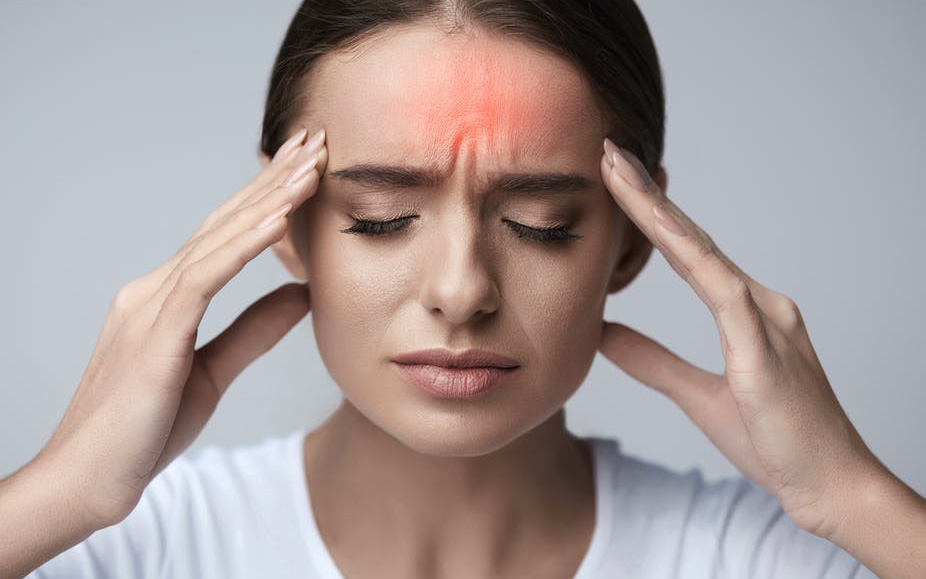 Đau nhức đầu khi bị cảm cúm: Dấu hiệu suy nhược khi bị bệnh và cách khắc phục