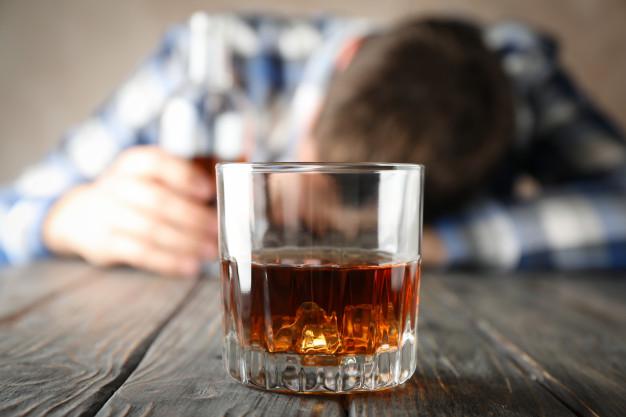 Tỷ lệ viêm tụy cấp do rượu bia tăng nhanh: Cảnh báo các nguy cơ và tác hại do rượu bia gây ra - Ảnh 1.