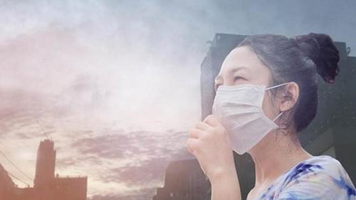 Làm thế nào để bảo vệ làn da đúng cách khi môi trường ô nhiễm? Đây là lời giải đáp của chuyên gia da liễu! - Ảnh 2.