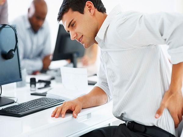 Thoát vị đĩa đệm cột sống ở dân văn phòng: nguyên nhân, biến chứng, điều trị và cách phòng ngừa - Ảnh 2.