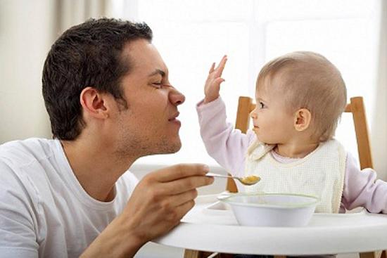 Trẻ 6 tháng ăn được gì? Thực đơn dinh dưỡng dành cho trẻ 6 tháng tuổi - Ảnh 2.