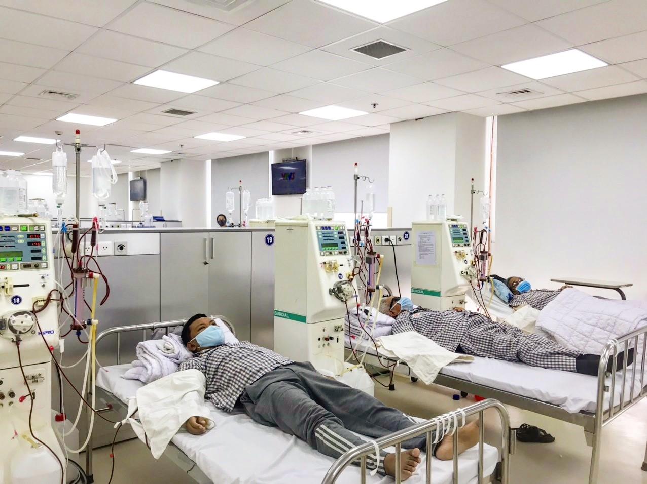 Bệnh nhân chạy thận nhân tạo cần biết gì trong đại dịch COVID-19 - Ảnh 1.