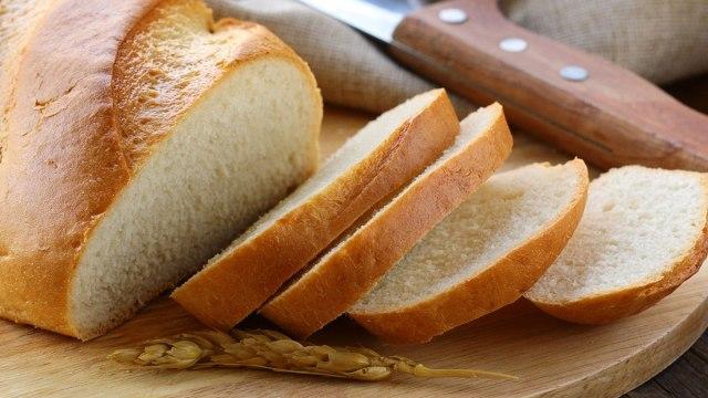 Ăn bánh mì có tốt không? Tác hại của bánh mì khi ăn thường xuyên - Ảnh 2.