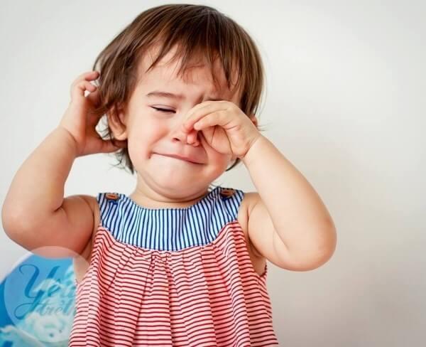 Tại sao chấn thương mắt do tiếp xúc với nước rửa tay có cồn gặp thường xuyên hơn trong đại dịch COVID-19 - Ảnh 3.