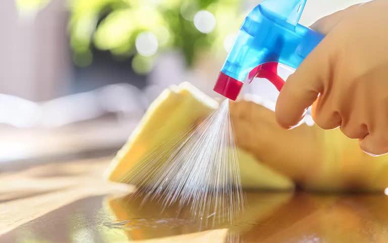 Các loại chất tẩy rửa khử trùng phòng dịch có thể làm khởi phát các cơn hen suyễn, lựa chọn thay thế là gì?