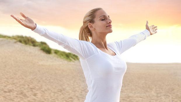 Tiết lộ 3 bộ phận trên cơ thể được tắm nắng thường xuyên sẽ tăng tuổi thọ, giảm bệnh tật. - Ảnh 2.