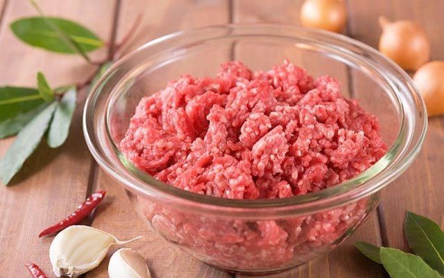 Cách nấu cháo thịt bò cho bé ăn dặm thơm ngon và bổ dưỡng - Ảnh 1.