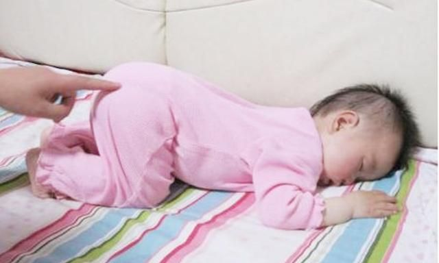Tư thế trẻ ngủ nằm sấp chổng mông có tốt cho sức khoẻ trẻ không? - Ảnh 4.