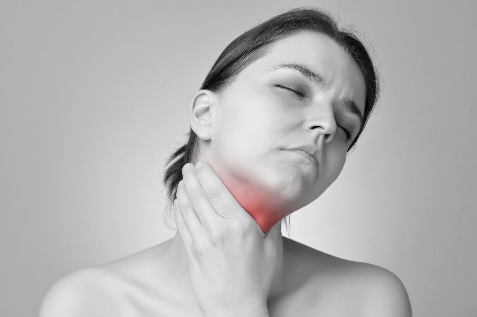 Giật mình với những triệu chứng của bệnh lao họng - Ảnh 3.