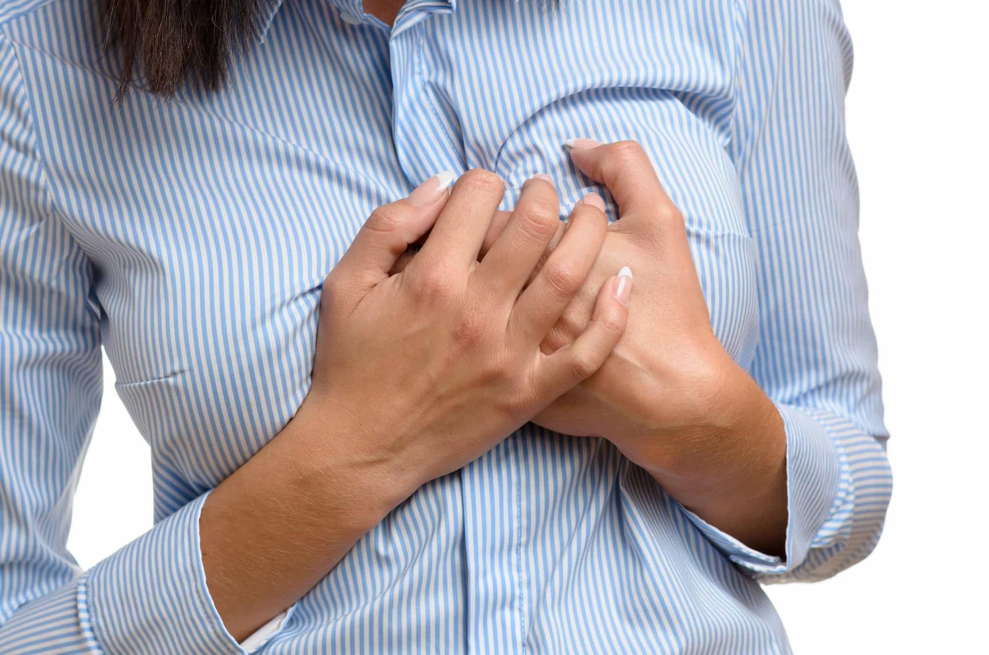 Bệnh thấp tim: Nguyên nhân và triệu chứng điển hình - Ảnh 1.