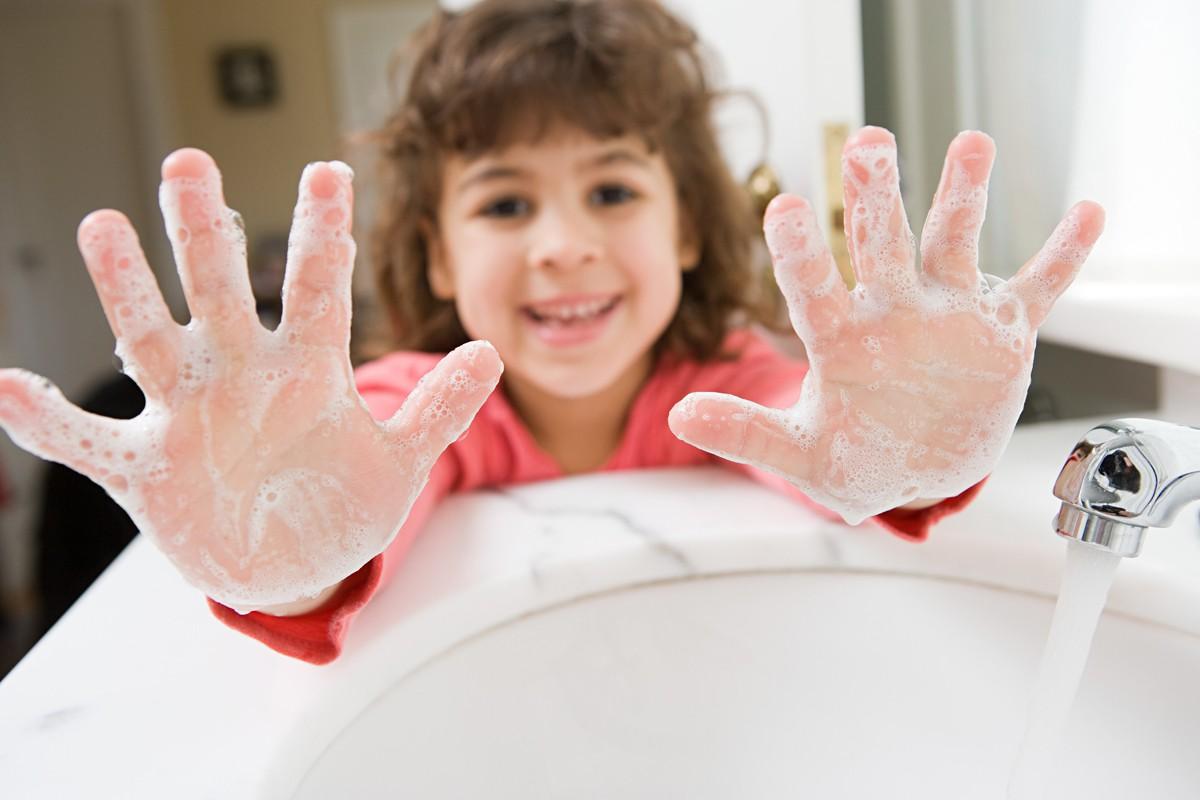 Những nguyên nhân gây bệnh thấp tim ở trẻ em cha mẹ cần đền phòng - Ảnh 3.