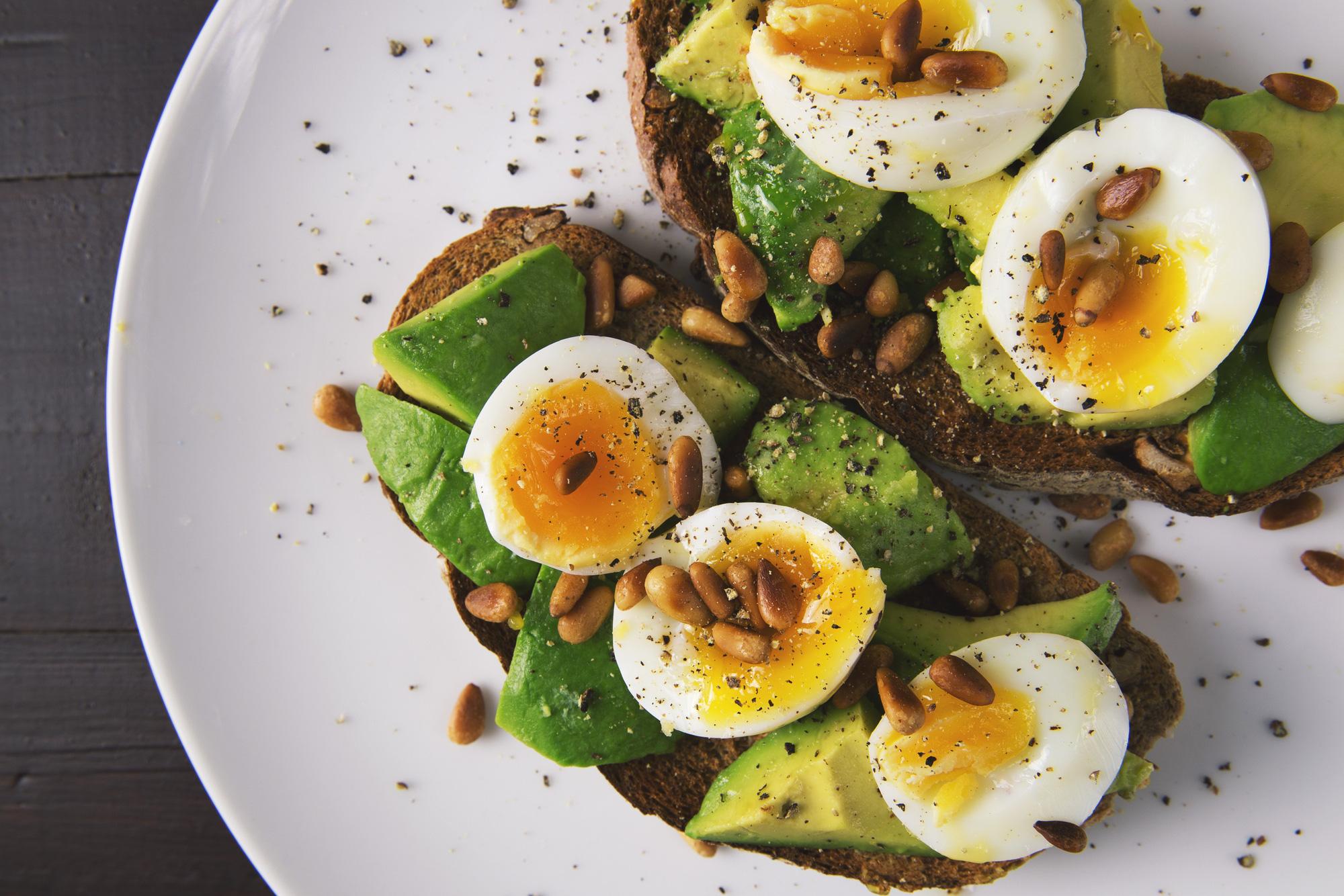 appetizer-avocado-bread-breakfast-566566 (1)