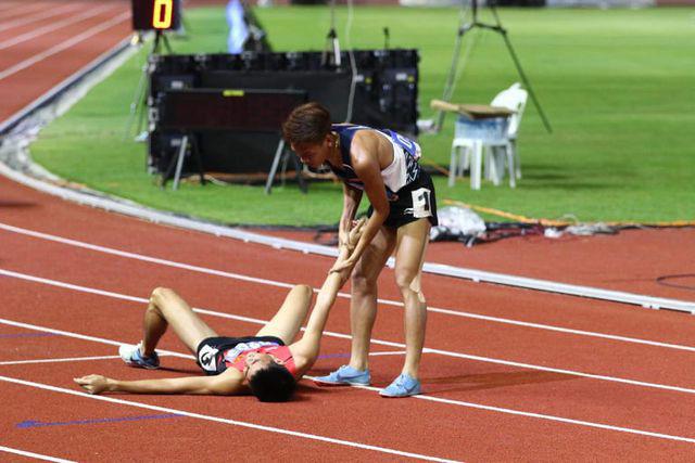 Tuyển thủ Việt Nam nhập viện sau nỗ lực giành HCV tại SEAGAME 30: Cần làm gì nếu kiệt sức khi chơi thể thao? 4