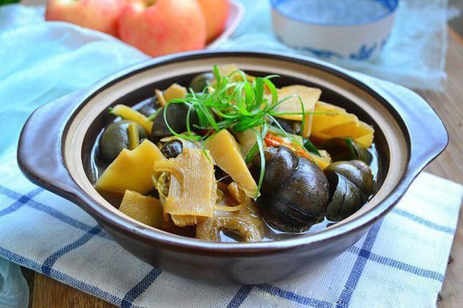 Ốc nhồi: Món ăn dân giã, bài thuốc quý chữa bệnh vào mùa lạnh - Ảnh 1.