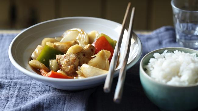 Thời tiết cuối thu, ngày ấm - đêm, sáng lạnh: Cần ưu tiên ăn thực phẩm nhiều chua ít cay để mùa đông giảm bệnh - Ảnh 3.