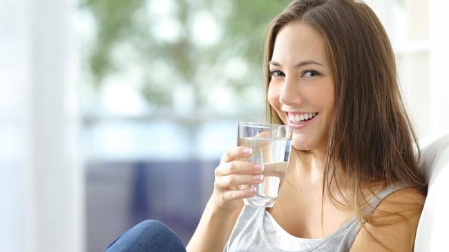 Những thói quen ăn uống cần thay đổi khi thời tiết hanh khô - Ảnh 3.