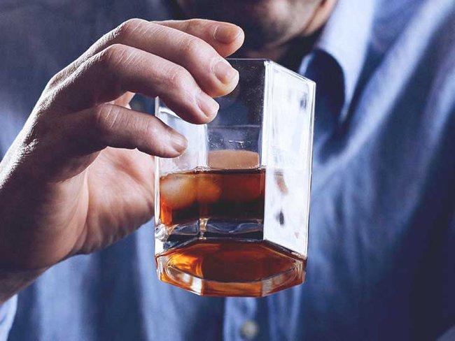 Tỷ lệ viêm tụy cấp do rượu bia tăng nhanh: Cảnh báo các nguy cơ và tác hại do rượu bia gây ra - Ảnh 2.