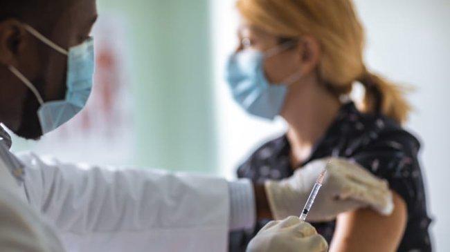 Tại sao cần tiêm phòng trước khi mang thai? Những loại vaccine cần tiêm cho bà bầu - Ảnh 3.