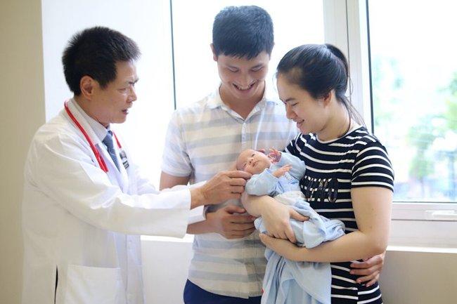 Giúp mẹ giải đáp 8 câu hỏi thường gặp về tiêm chủng cho trẻ - Ảnh 2.