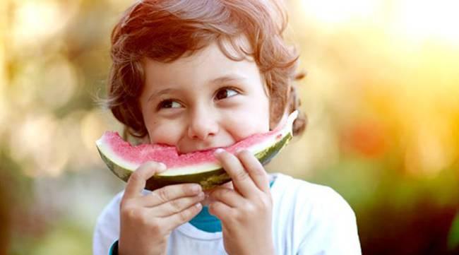 5 mẹo đối phó với chứng biếng ăn mùa hè của trẻ - Ảnh 3.