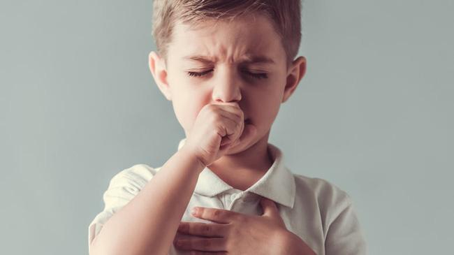 Bệnh bạch hầu xuất hiện trở lại: Bao nhiêu năm cần tiêm vắc-xin nhắc lại một lần? - Ảnh 3.