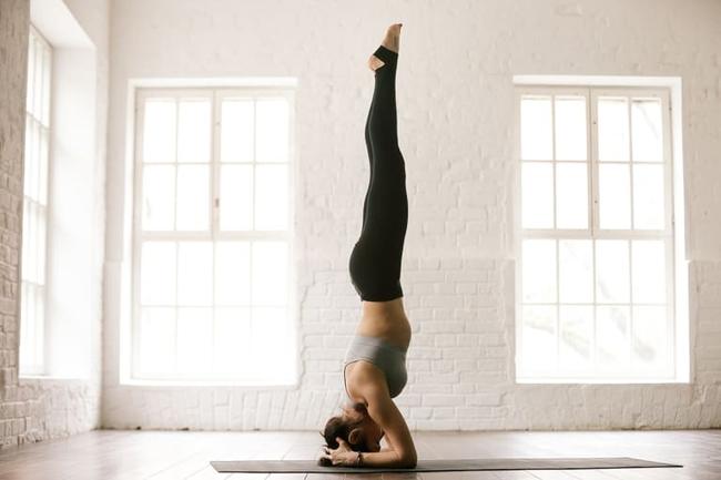 4 loại tư thế có thể gây ra chấn thương khi tập Yoga phổ biến nhất - Ảnh 1.