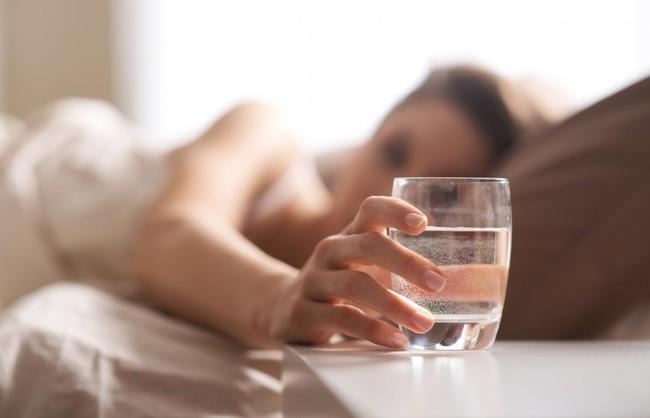 Uống nước khi đói và 12 lợi ích có thể bạn chưa biết! - Ảnh 4.