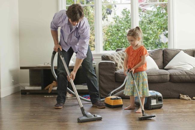 Cách để dọn dẹp và khử trùng trong nhà khi có người bị ốm, bệnh dễ lây nhiễm - Ảnh 2.