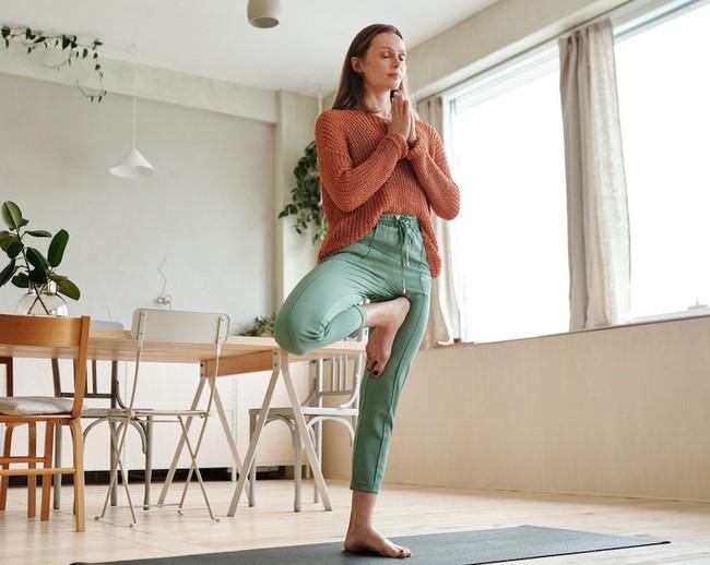 Tại sao có thể đánh giá sức khỏe thông qua khả năng đứng bằng một chân? - Ảnh 2.