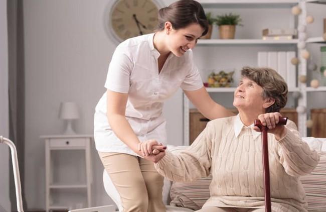 Xây dựng thói quen ăn uống như thế nào giúp người cao tuổi ngủ ngon giấc? - Ảnh 4.