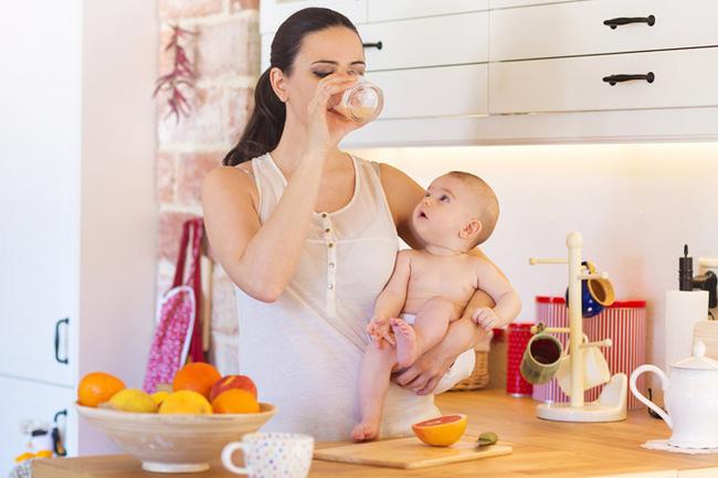 Điểm danh những loại thực phẩm lợi sữa cho phụ nữ sau sinh - Ảnh 2.