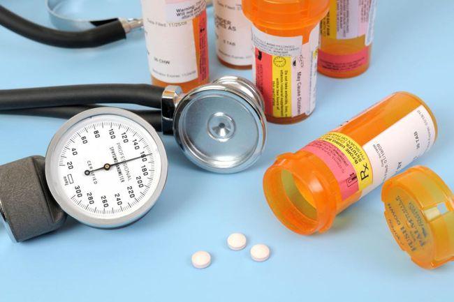 Nhận biết tác dụng phụ một số nhóm thuốc hạ huyết áp thường dùng - Ảnh 1.