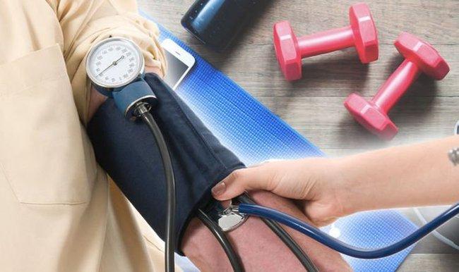 Giáo sư tim mạch trả lời câu hỏi: Cao huyết áp có nên tập thể dục không? - Ảnh 1.