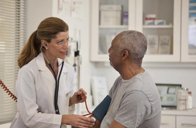 Giáo sư tim mạch trả lời câu hỏi: Cao huyết áp có nên tập thể dục không? - Ảnh 3.
