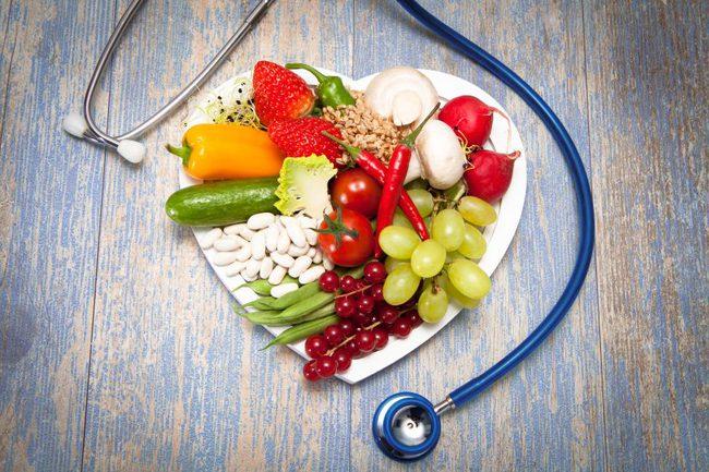 Kiểm soát ăn uống để sống chung với bệnh cao huyết áp - Ảnh 1.