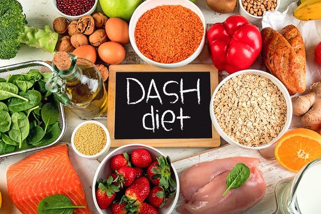 Kiểm soát ăn uống để sống chung với bệnh cao huyết áp - Ảnh 3.