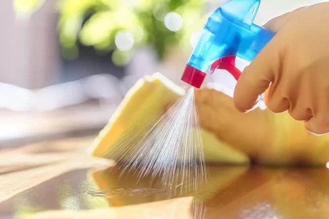 Cách để dọn dẹp và khử trùng trong nhà khi có người bị ốm, bệnh dễ lây nhiễm - Ảnh 3.