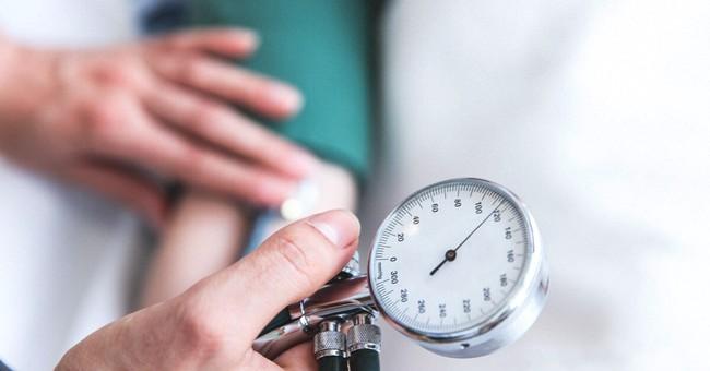 Tất tần tật mọi điều cần biết về tăng huyết áp ác tính - Ảnh 4.