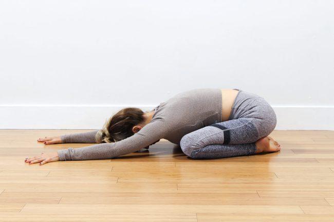 5 tư thế yoga tốt cho bệnh cao huyết áp  - Ảnh 2.