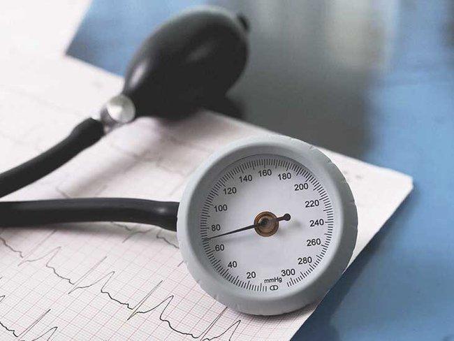 Cao huyết áp đột ngột có nguy hiểm không? - Ảnh 1.