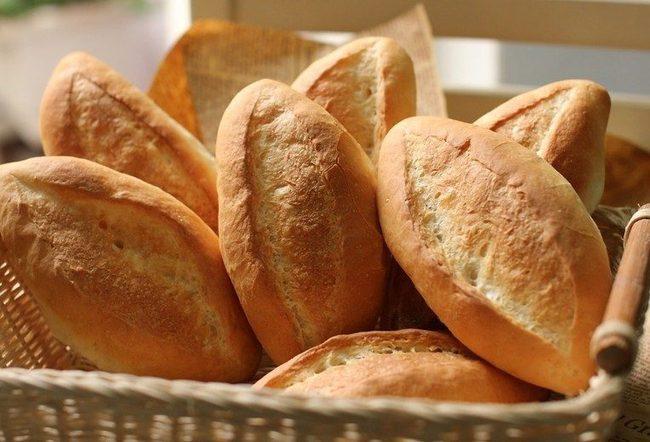 Ăn bánh mì thường xuyên có tốt không? Điểm danh những tác hại của bánh mì đối với sức khỏe - Ảnh 2.