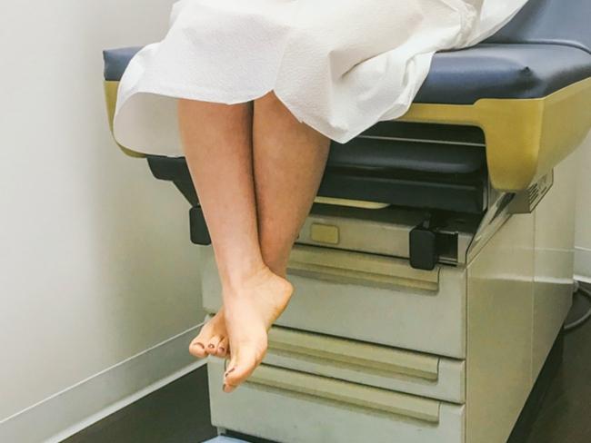 Đặt vòng tránh thai có đau không? Các vị trí bị đau khi đặt vòng - Ảnh 3.