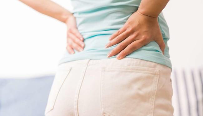 Ra máu báo thai có đau lưng không? Khi nào ra máu báo thai kèm đau lưng là nguy hiểm? - Ảnh 4.