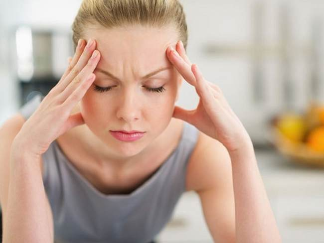 Ra máu báo thai có đau lưng không? Khi nào ra máu báo thai kèm đau lưng là nguy hiểm? - Ảnh 2.