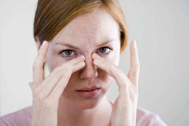 Cảm giác nóng rát ở mũi có phải là dấu hiệu nhiễm Covid-19 không? - Ảnh 2.